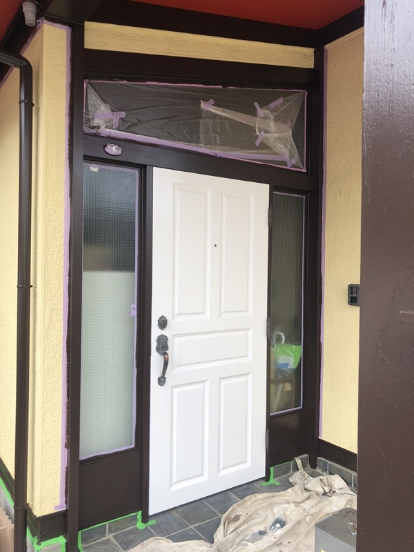 神奈川県横浜市瀬谷区 外壁塗装 付帯部塗装 玄関ドア 木部塗装 (3)