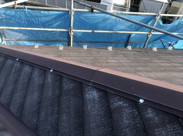 神奈川県横浜市港南区 屋根塗装 下塗り 縁切り タスペーサー (2)