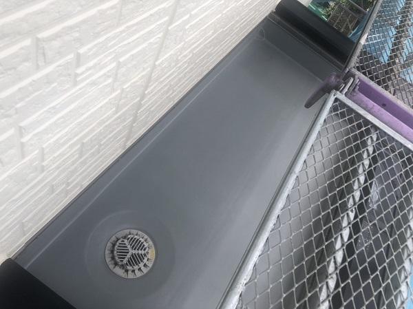 神奈川県横浜市港北区 外壁塗装・付帯部塗装・防水工事 ベランダ トップコート塗り替え (2)