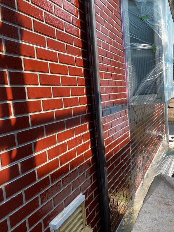 神奈川県横浜市瀬谷区 外壁塗装 タイル外壁の塗装 中塗りと上塗りの違い (1)